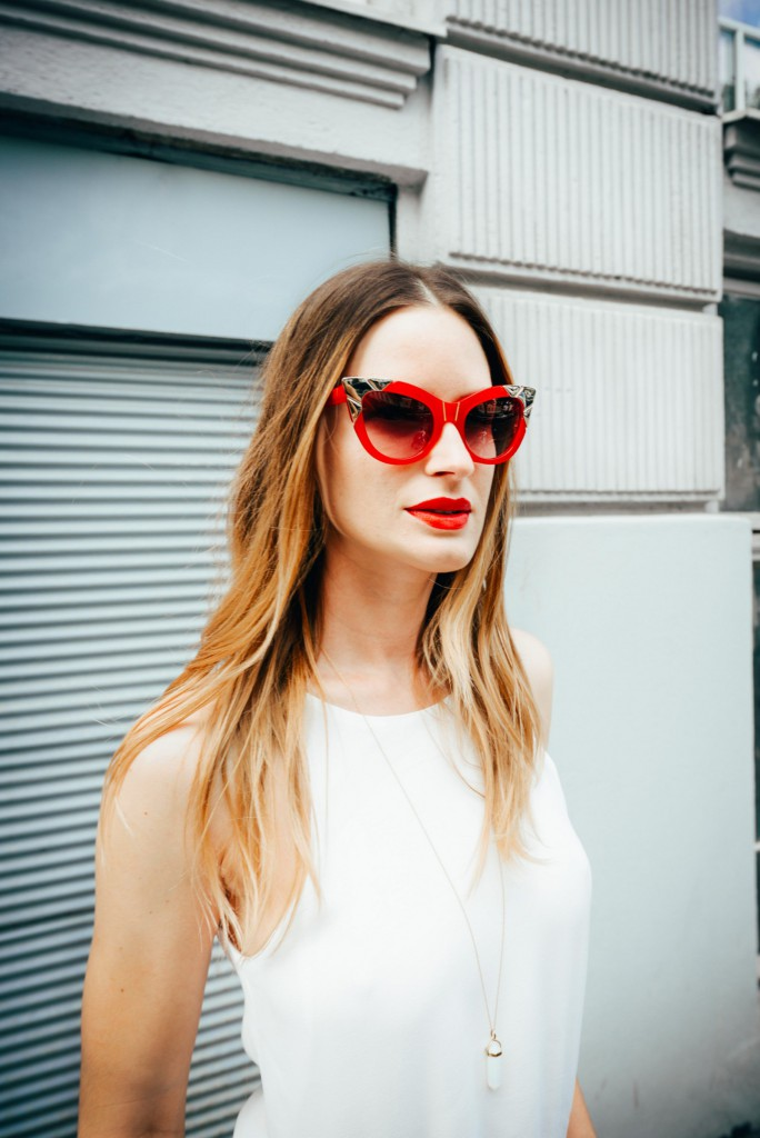 purstyle-eyewear-pared-australia-red-glasses-gold-fashionstylist-fashion-personalshopping-white-jumpsuit