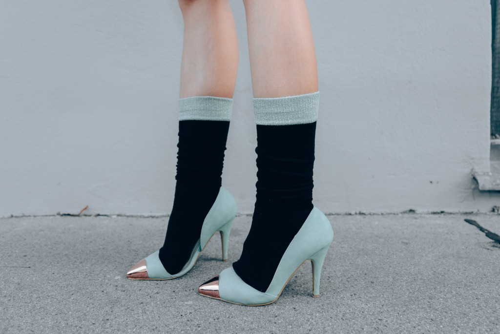 high-heels-and-socks-purstyle-stylingtipp-woman