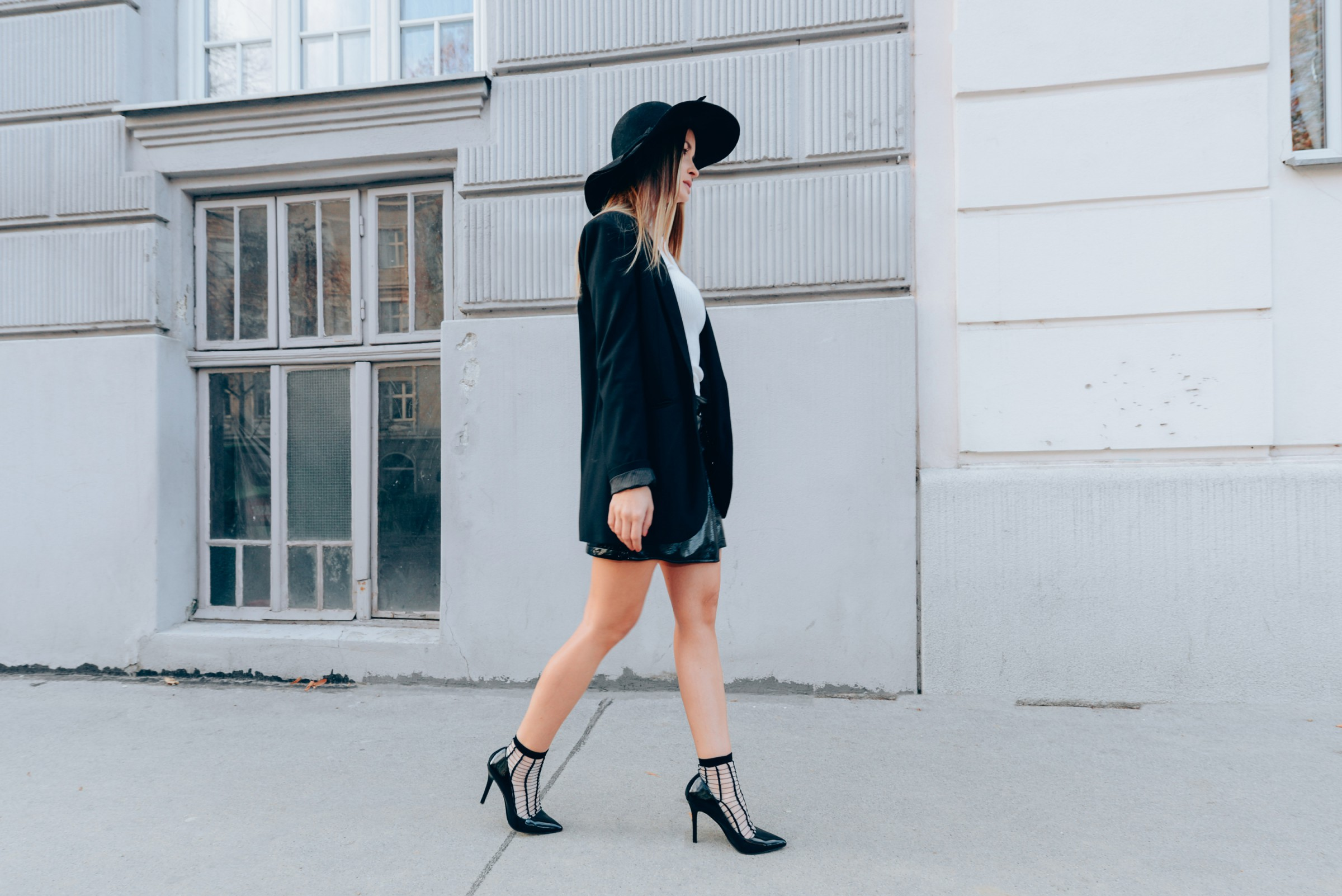 high-heels-and-socks-purstyle-stylingtipp-woma-wien